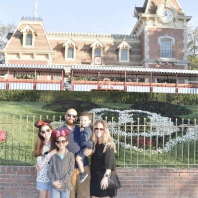 The Cake Mama's Disneyland Vacation Tips